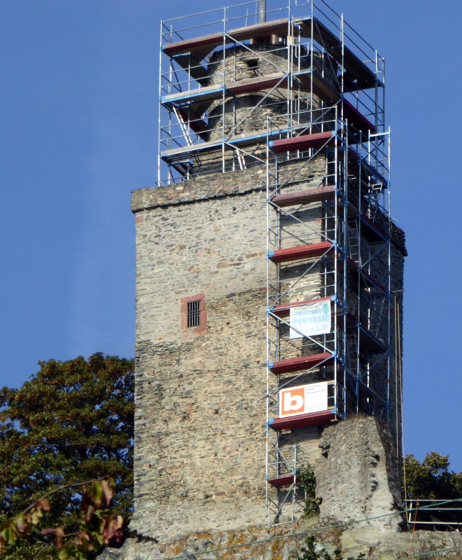 Teilsanierung vom Mauerwerk der Burgruine Falkenstein