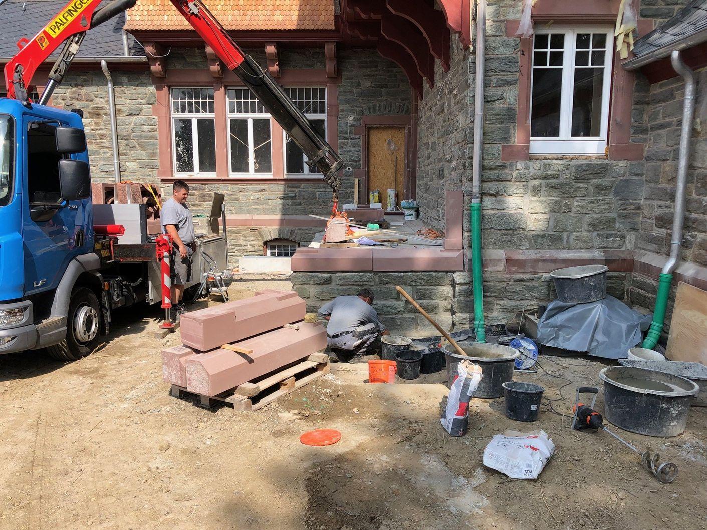 Natursteinarbeiten an historischem Gebäude in Königstein-Ts