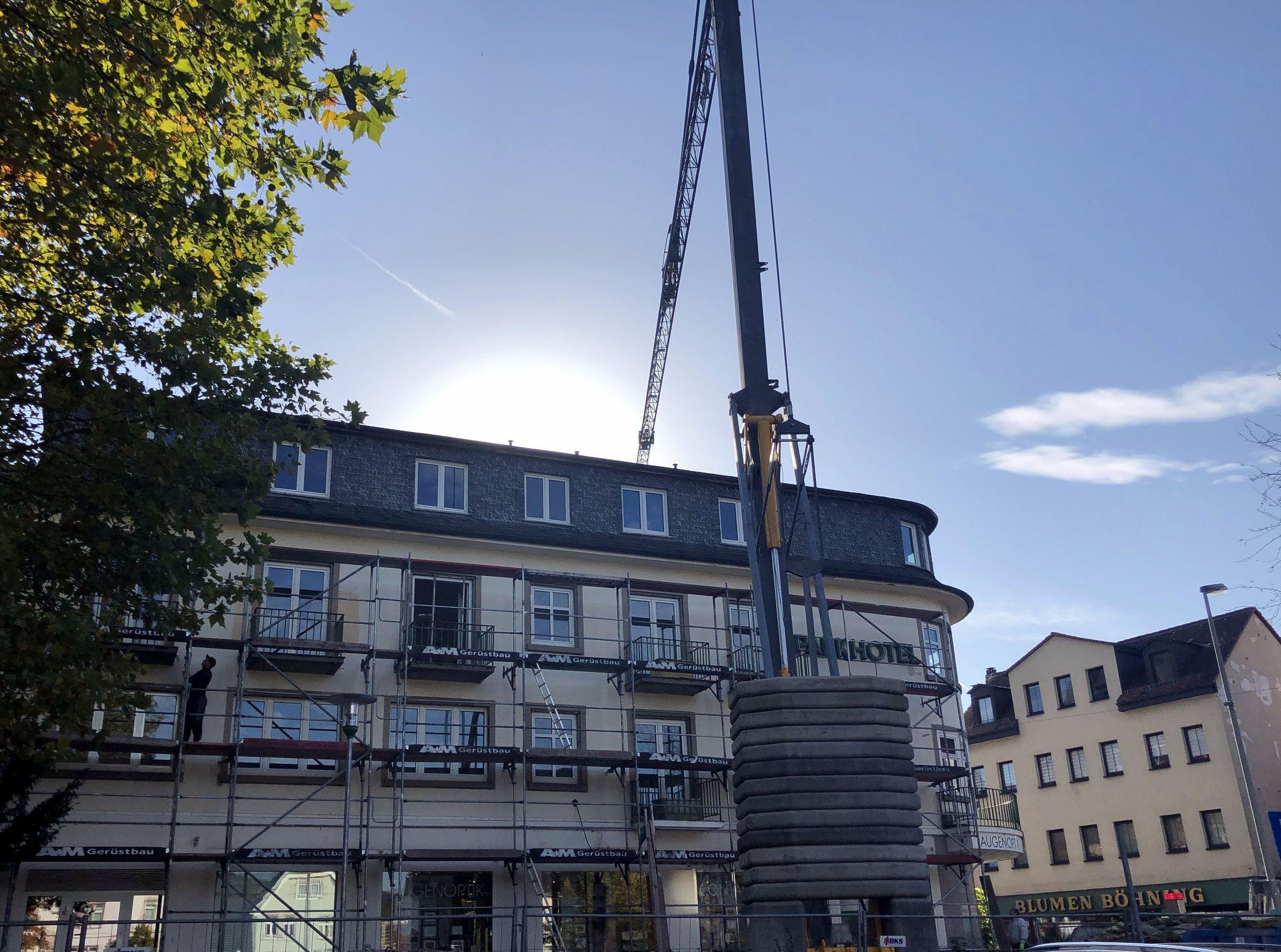 Parkhotel Bender - Rohbauarbeiten, Einbau Aufzugsschacht, Zisterne unter dem Gebäude, Erneuerung der Abwasserleitungen (Bankbau)